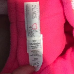 Children's Place Accessories - NWT 12-24 month hat and mitten children's place